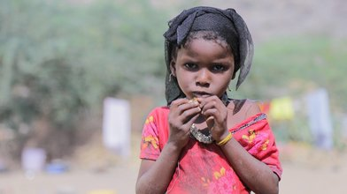 Child of IDP living in extreme poverty without food and water